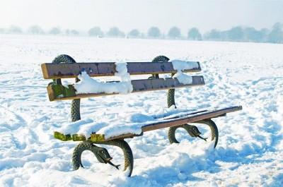 bench-163833_640