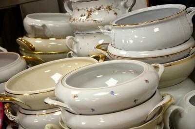 gold-trim-dinnerware-629365_1920