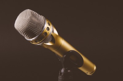microphone-1246057_1920